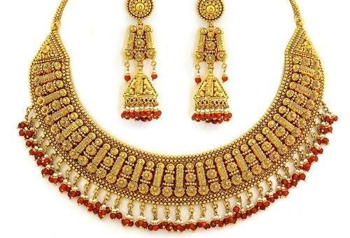 10 tips for buying cheap gold jewelry