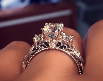 Gorgeous Affordable Engagement Rings for Your Special Engagement Event