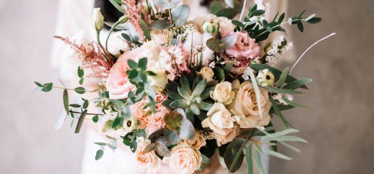 The Best Flower of Seasons for Wedding Flowers